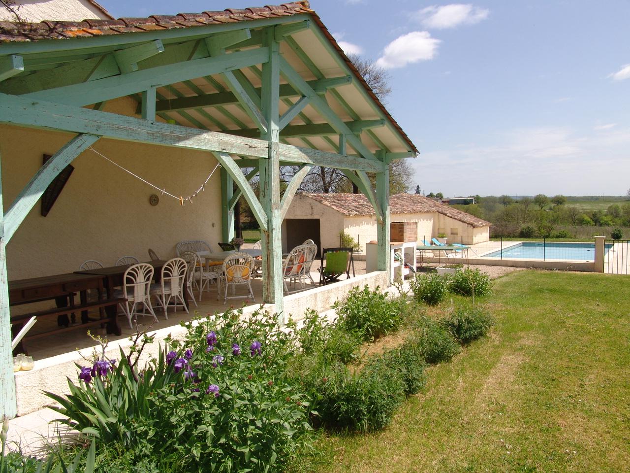 Vakantiehuis f dor 0018 6 8 personen st leon d 39 issigneac - Buiten villa outs ...
