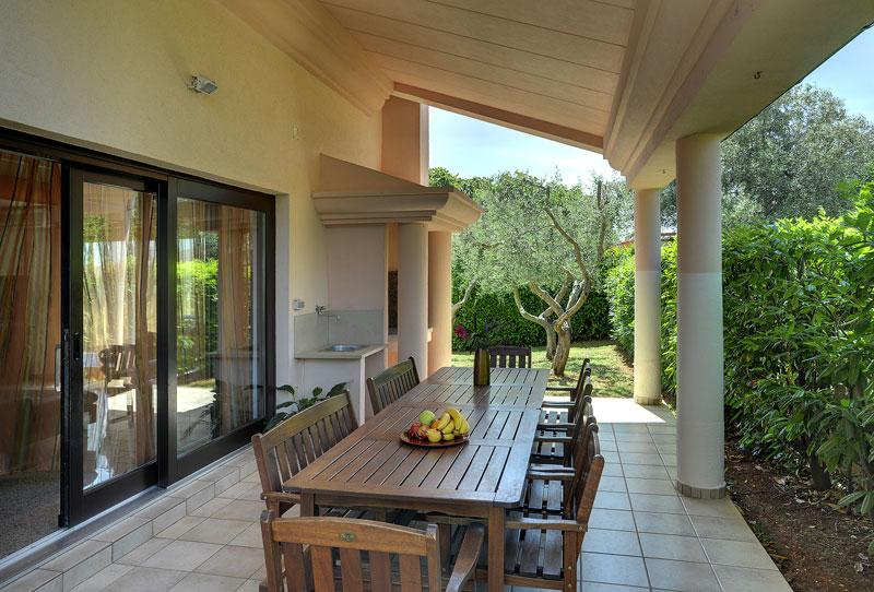 Vakantiehuis kr is 0016 12 personen medulin - Buiten villa outs ...