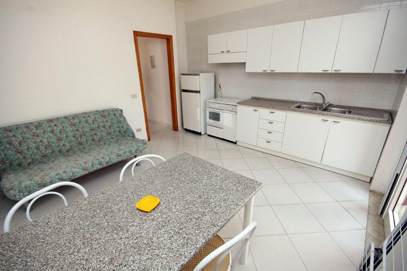 Eiken Keukens Hongarije : Out! Vakantiehuis IT CAM 0023 Palinuro 2 4 personen