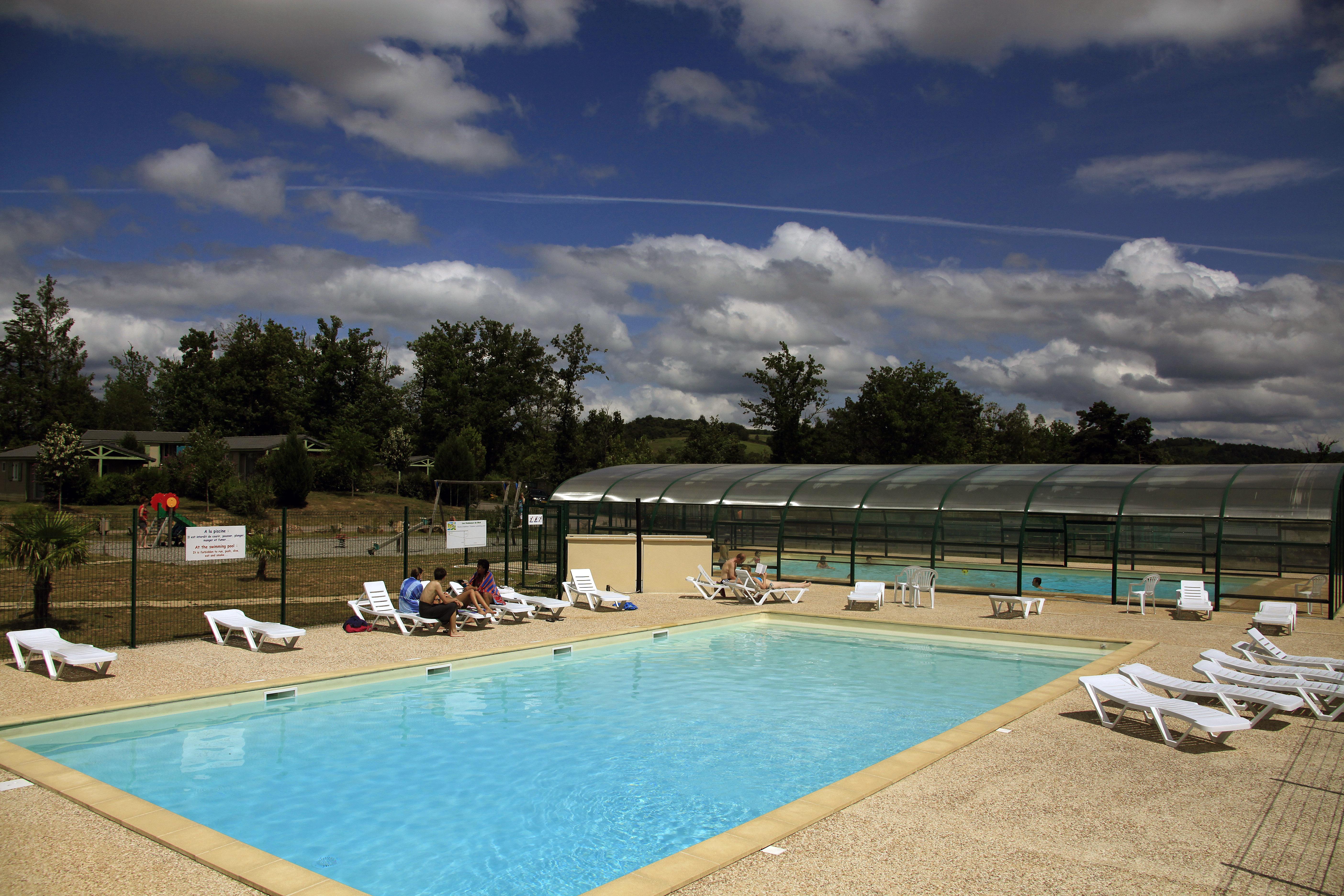 Out vakantiehuis f dor 0070 beynat 6 personen - Zwembad terras outs ...